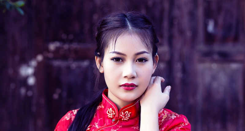 Chinese woman: dating online, wife